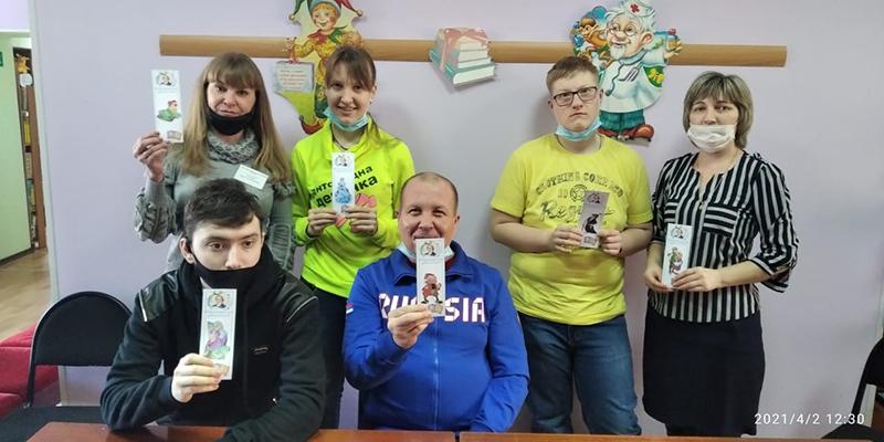 Участники изготовили закладки для книг 2