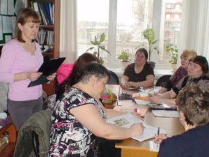 Беседа психолога Кирилловой С.И. с социальными работниками на Совете наставников