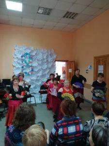 Выступление клуба Цветы Востока